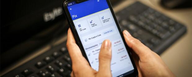 BC anuncia limite de transferências no Pix a R$ 1.000 à noite